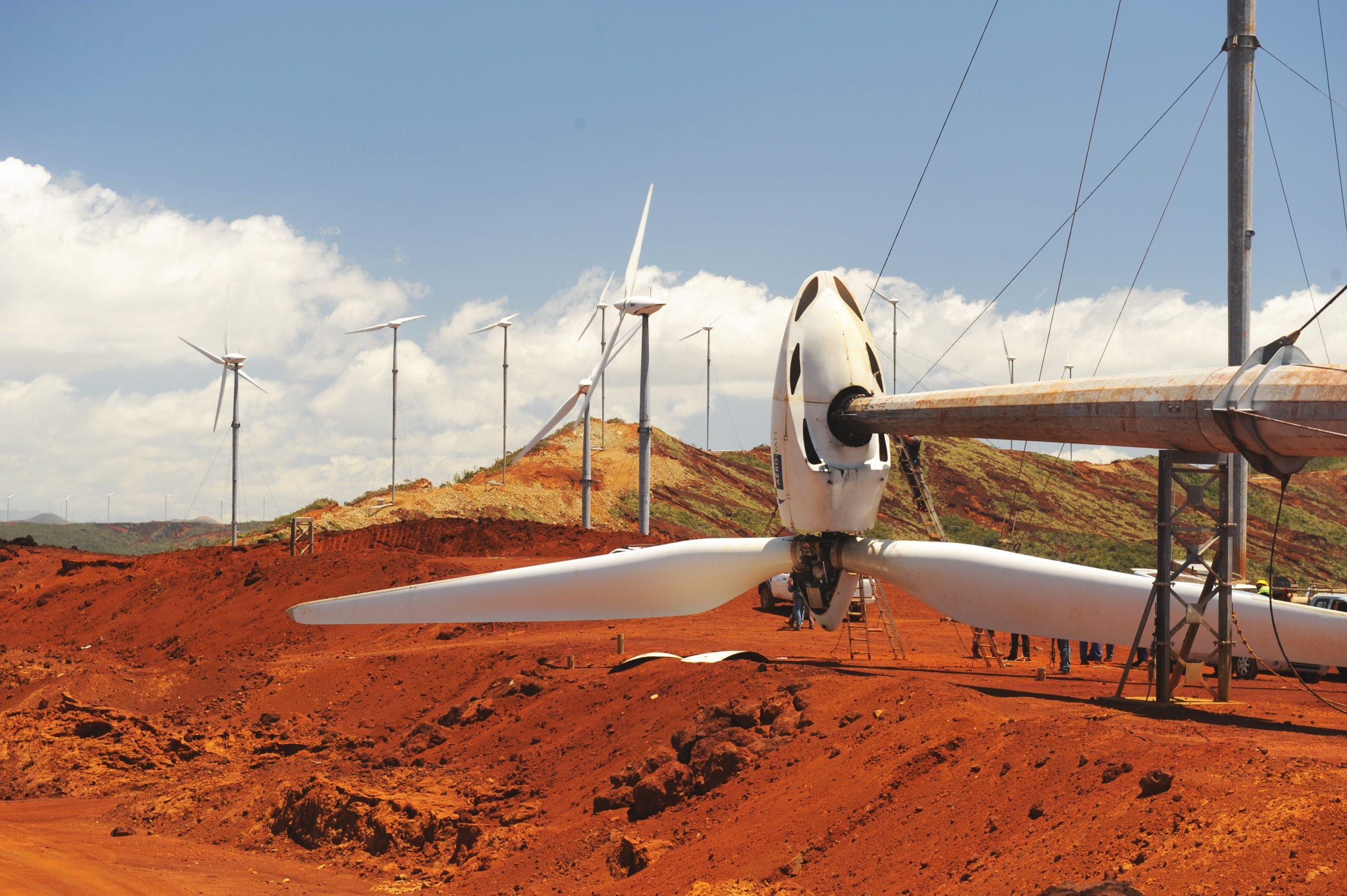 Éolienne de Prony située appartenant à la commune de Mont-Dore - Source: Synergie